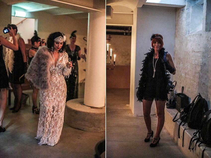 1cc31afa9541 Det började strömma till vackra, uppklädda gäster och vi drog oss ner i  källaren igen. Där är Mathilda som ser ut som kvällens underhållning, ...