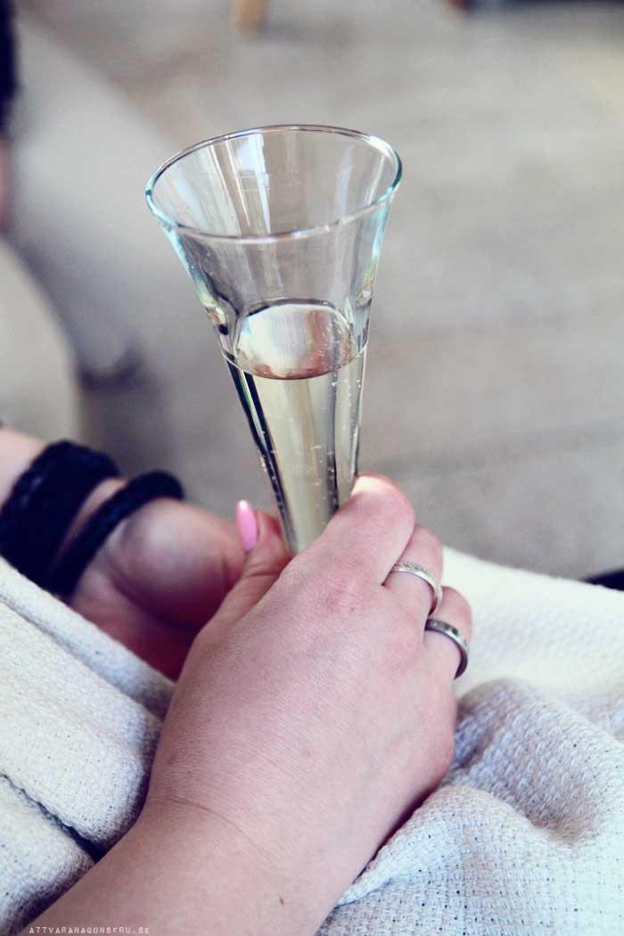 Att vara förälskad i Kiviks Musteri. – Att vara någons fru